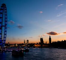 Transition of Sunset London eye and Westminster from Embankment Bridge by Mattia  Bicchi Photography
