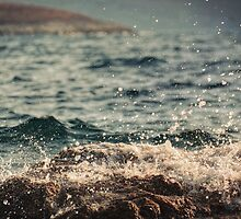Waves in Time by Taylan Soyturk