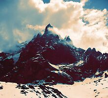 Cloudy Peak by etall