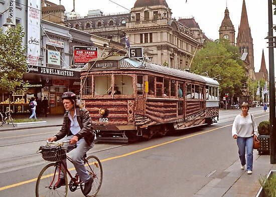 Melbourne Tram by AnnDixon