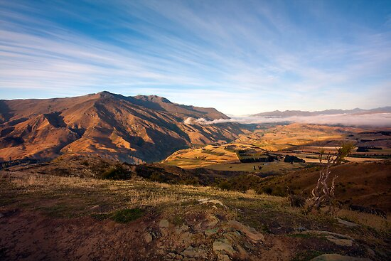 Crown Range Mountains, South Island by Kevin Hellon