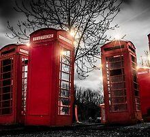 Red Phone Box - Art 1 by Ian Hufton