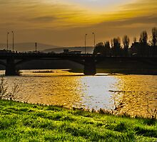 Sunrise over the river  by kikoste