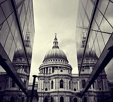 St Paul's Cathedral by bryaniceman