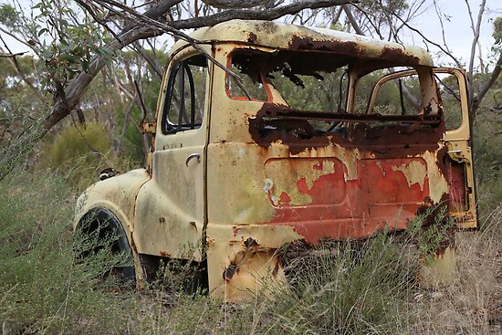 Rusty Zoo Truck Pt.2 by Stuart Daddow Photography