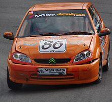 750 MC Stock Hatch - #86 Jake Farndon - worse-for-wear Citroen Saxo - Druids, Brands Hatch by motapics