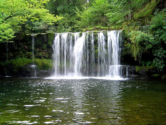 Sgwd Ddwli Uchaf Waterfall by Avril Harris