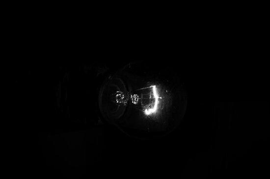 Light Bulb X by taudalpoi