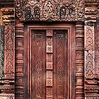 Carvings of Banteay Srei, IV by Vladimir Rudyak