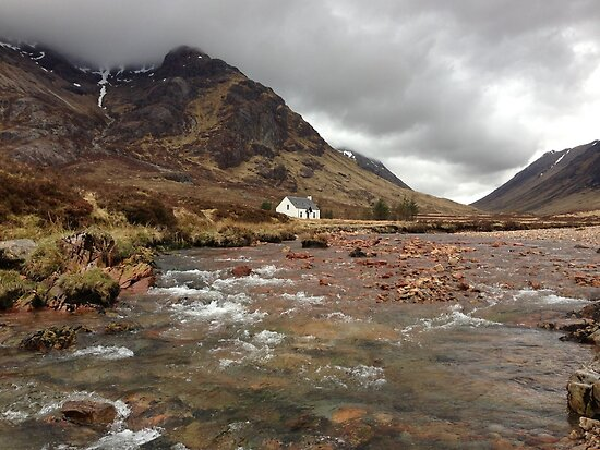 Wee White Hoose by IslandImages