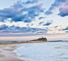 Nobbys Beach - Newcastle by RGA Photography