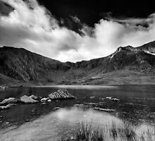 Llyn Idwal de mono by Carlb40
