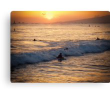Catching the wave Canvas Print