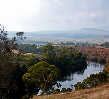 The Derwent Valley Tasmania by Geoff Birrell