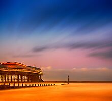 Colourful Cromer Peir by Mark Bunning