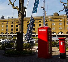 Post Box Phone box by DavidHornchurch