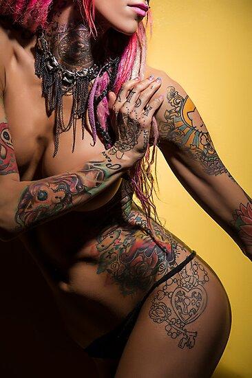 Maximum Inx Minimal Nude by Bobby Deal