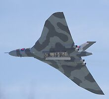 Avro Vulcan XH558 - the last flying Vulcan - over Hastings by motapics