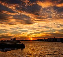 Sun is setting in London by mjamil81