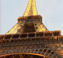 Eiffel Tower by odders46