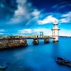 Bradleys Head Lighthouse by hangingpixels