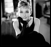 Audrey Hepburn by tigerwolf09
