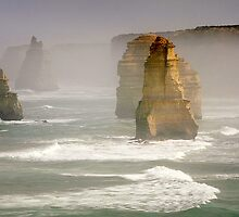 In morning mist - 12 Apostles by Hans Kawitzki