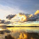 Murrays Beach  by Tam  Locke