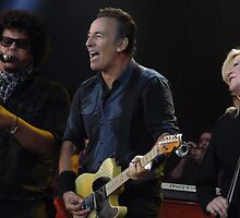 Bruce Springsteen & The E Street Band Hard Rock Calling 2013 by JR Photography