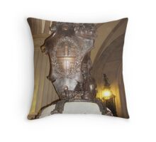 The great Lion of Hamburg Throw Pillow