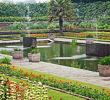 Kensington Palace Pond 2 by TelestaiPix