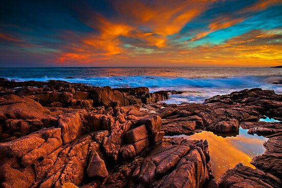 Sunset Rocks by bazcelt