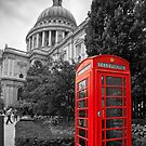 St Pauls Cathedral and the red telephone box by Stephen Knowles