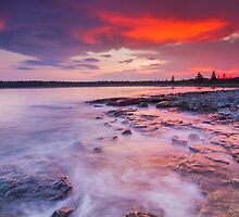 High tide by MIRCEA COSTINA