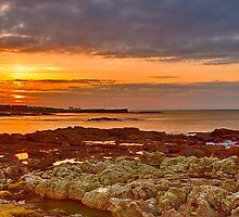 HOPEMAN - SUNSET FROM DAISY ROCK by JASPERIMAGE