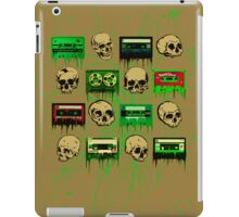 Skulls and creepy Tapes 2 iPad Case/Skin