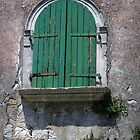 Worn window by Javimage