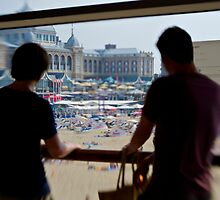 Watching Scheveningen Pass by emmawind