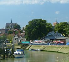 Arundel Cathedral from the river bank by normhill