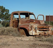 Old truck atop Kangaroo Hill - Lightning Ridge, NSW by DashTravels