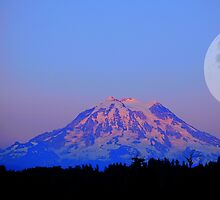 The Super Moon and Mt. Rainier by Tori Snow