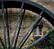 Water wheel by Jan Pudney
