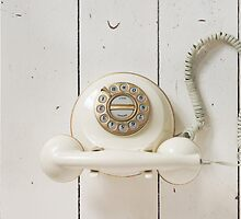 Vintage Telephone by visualspectrum