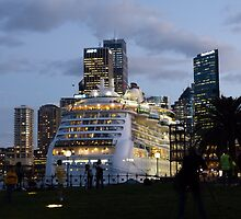 'Radiance of the Seas' in Sydney by PhotosByG