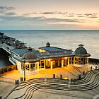 Cromer Pier by fulhamphil