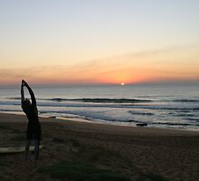 Praise to the Rising Sun - Mona Vale Beach, Sydney by Jane Wilkinson-Franssen