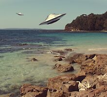 Trouble in Paradise#1 - UFOS..at the beach by BoydeyMcNerd