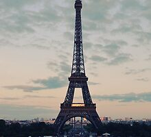 Eiffel Tower by biancababee