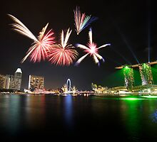 Fireworks over Marina Bay by Jenny Zhang