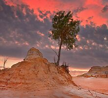 Red Sky - Lake Mungo by Hans Kawitzki